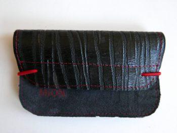 Miontas zwarte leren portemonnee met rode accenten